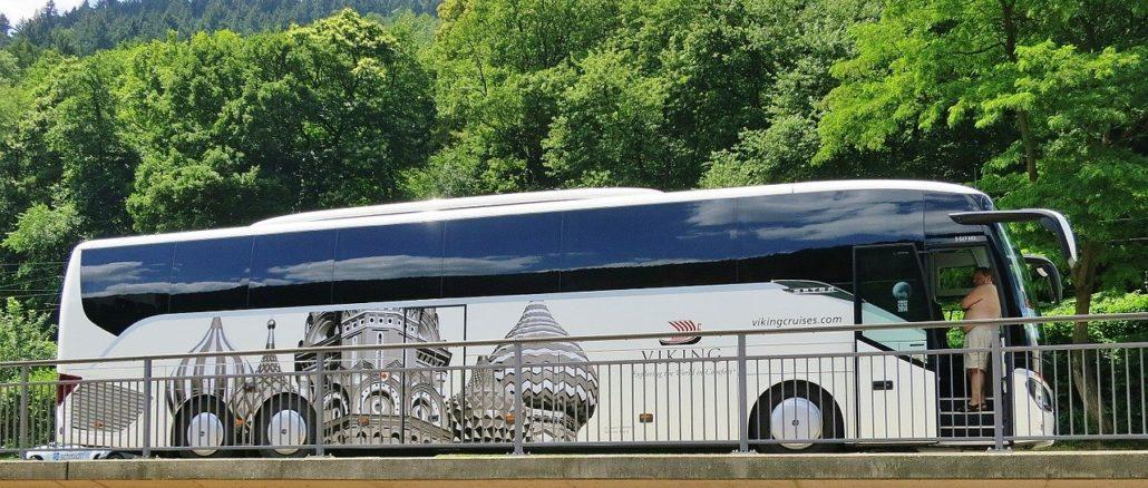 Reisen mit einem Bistro Bus
