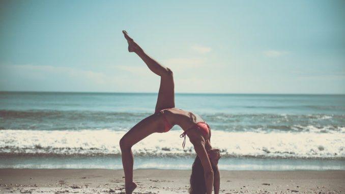 Yoga Urlaub am Strand der Ostsee